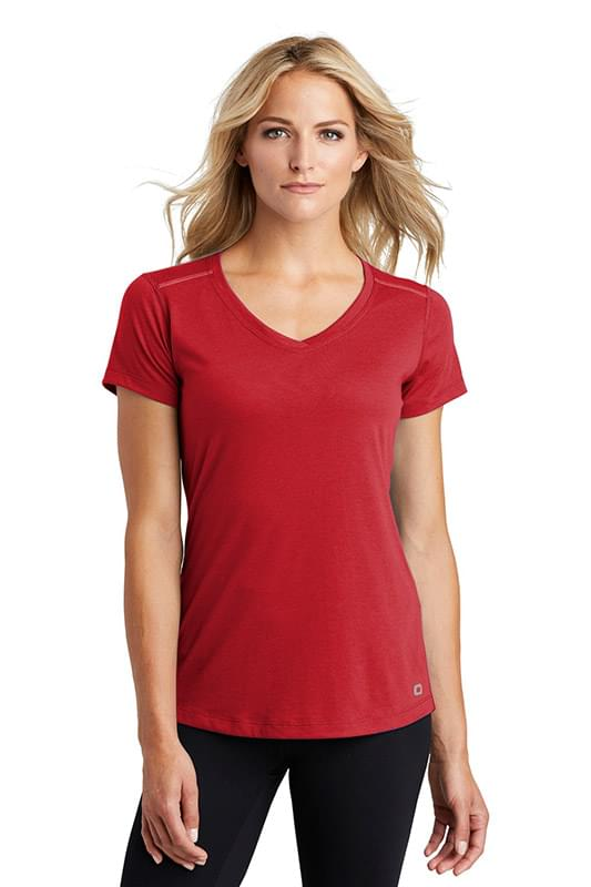 OGIO  ®  ENDURANCE Ladies Peak V-Neck Tee. LOE337